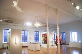UNTER DIE HAUT. Städtische Galerie Überlingen, 1.Raum, Ansicht 2, 2014