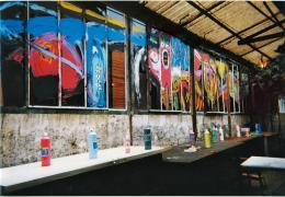 """""""La Gourmandise""""_ Backstage. Sicht von außen, wo die Hinterglasmalerei stattfand."""