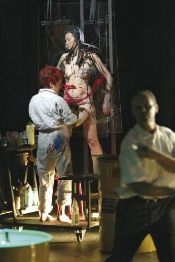De Muynck bei der Performance in Start to be (1). iCamp, München, 2003