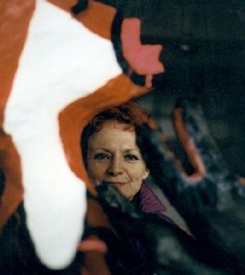 RITA DE MARIE  MUYNCK zwischen Rotkapp und Wolf